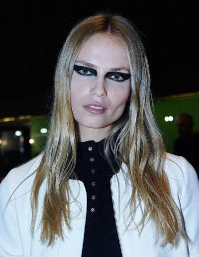Versace-backstage-feb-2017-16